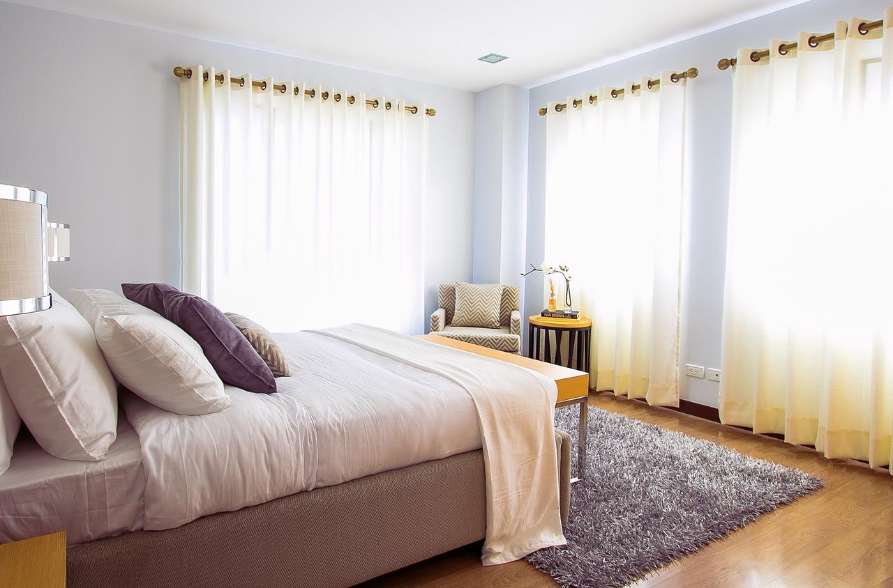 mycie dywanu w sypialni